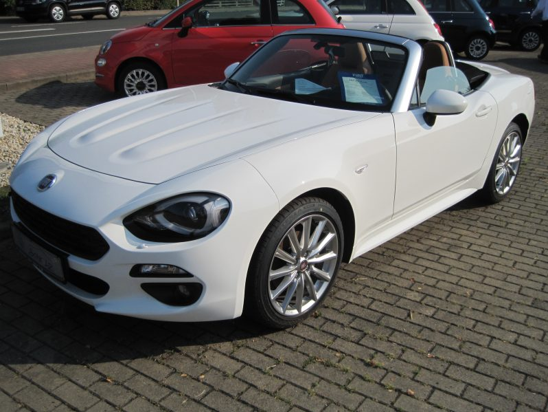 Fiat 124 Spider 1.4 Multiair Turbo full